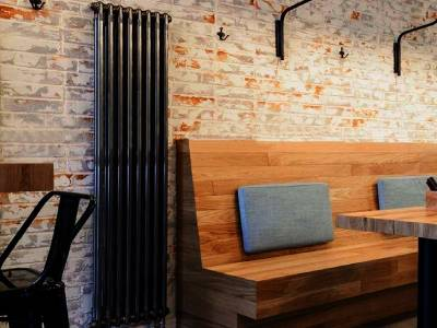 Радиатор в стиле лофт в интерьере